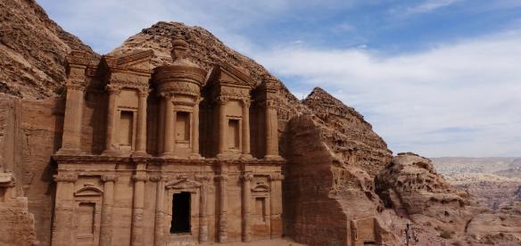走在约旦(2)– 行走的两条腿毛驴